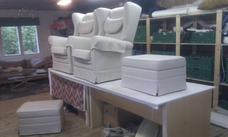 Nye stoler klare til henting