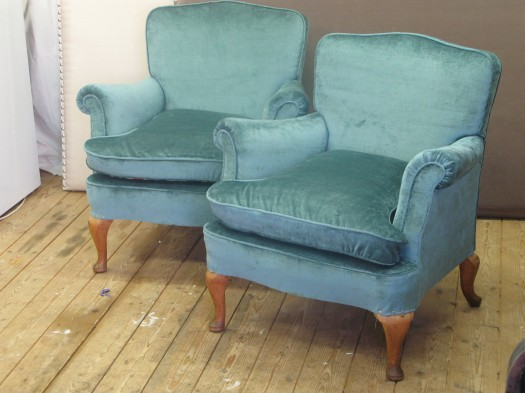 ...og ensfargede stoler!