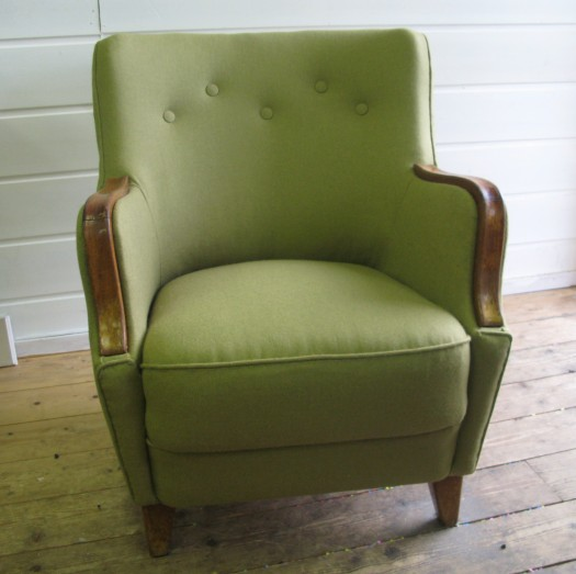 50-talls stol i ett herlig grønt ullstoff