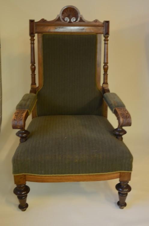 Staselig stol, slitent stoff!