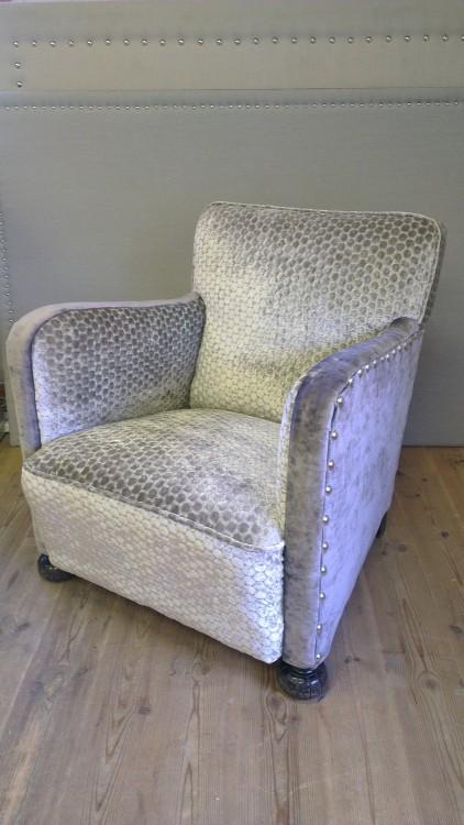 Lekker stol i 2 nyanser