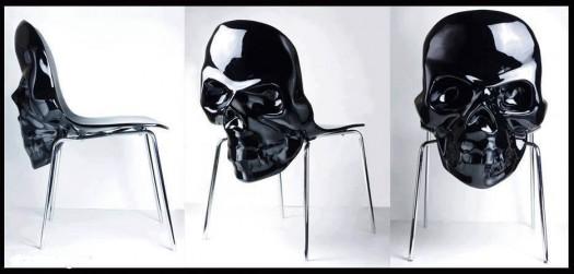 Black plastic skull