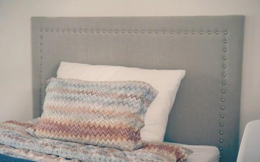 En slik sengegavl gir jeg bort til en av mine følgere!!!