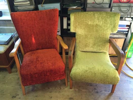 Rød & grønn velur fra Designers Guild